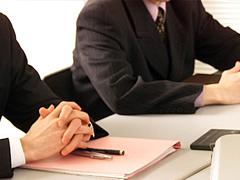 弁護士・司法書士と経営コンサルタントの画像
